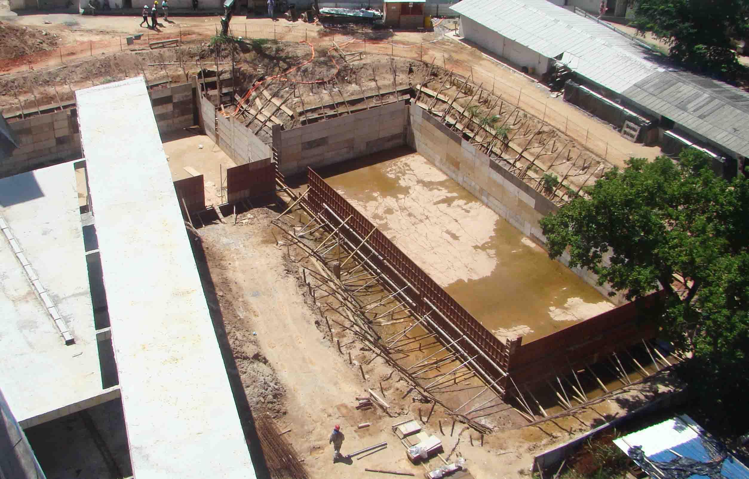Vista aérea das cisternas e da laje do Restaurante Universitário