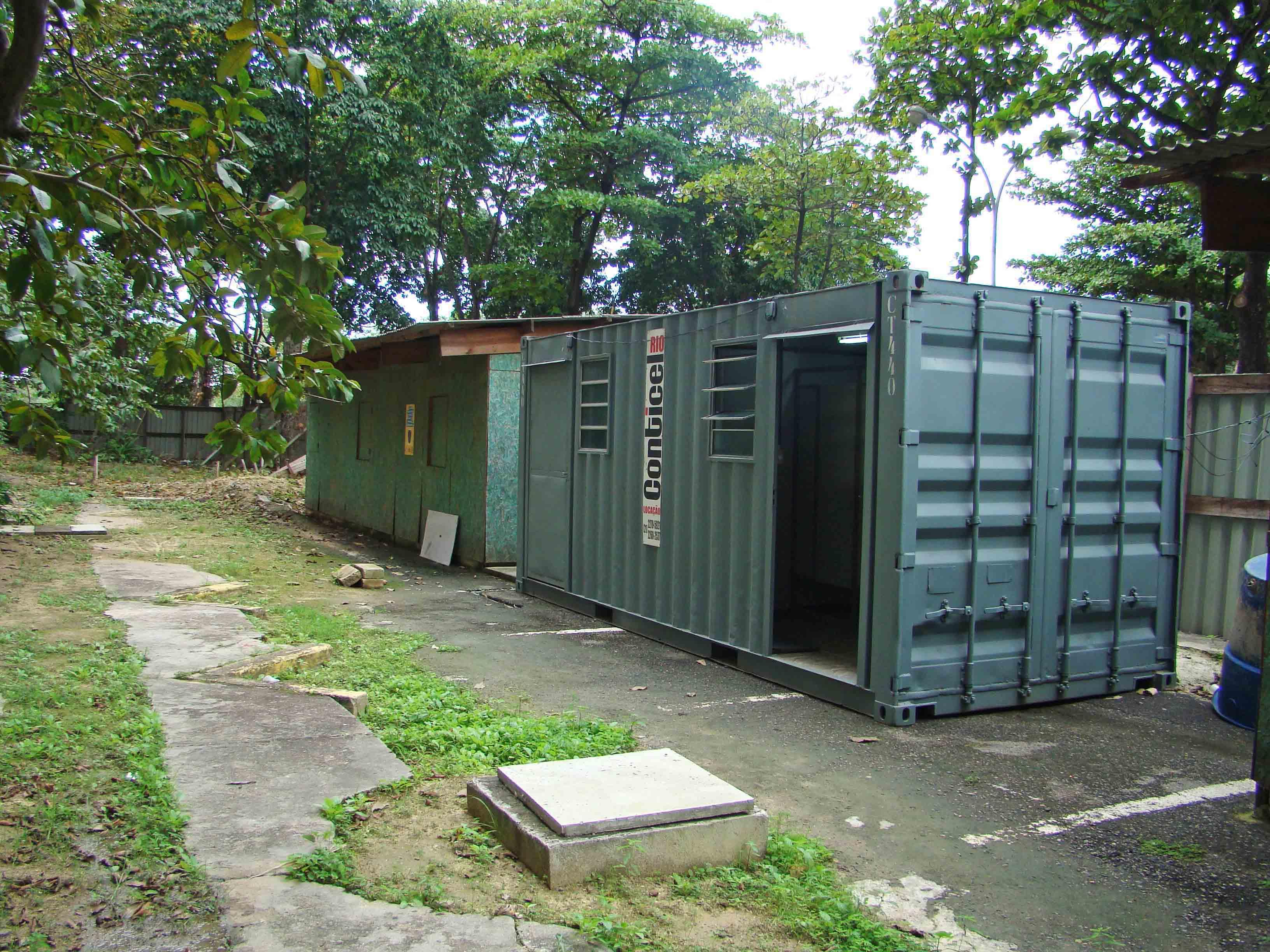 Containers do canteiro de obra