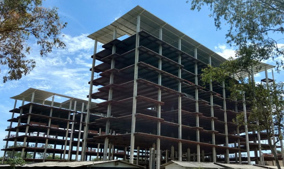 40ª medição: Vista Geral da Obra mostrando a execução das estruturas
